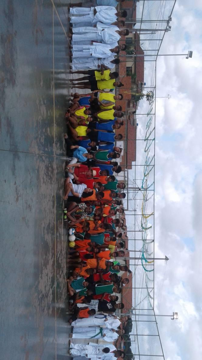 d504bf2dc Prefeitura de São Luís entrega material esportivo a moradores do Minha Casa